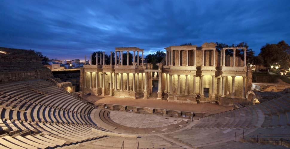 Visitas Guiadas al Teatro Romano de Mérida en español, ingles y portugués. Antonio Carrasco Guía Oficial de Turismo.