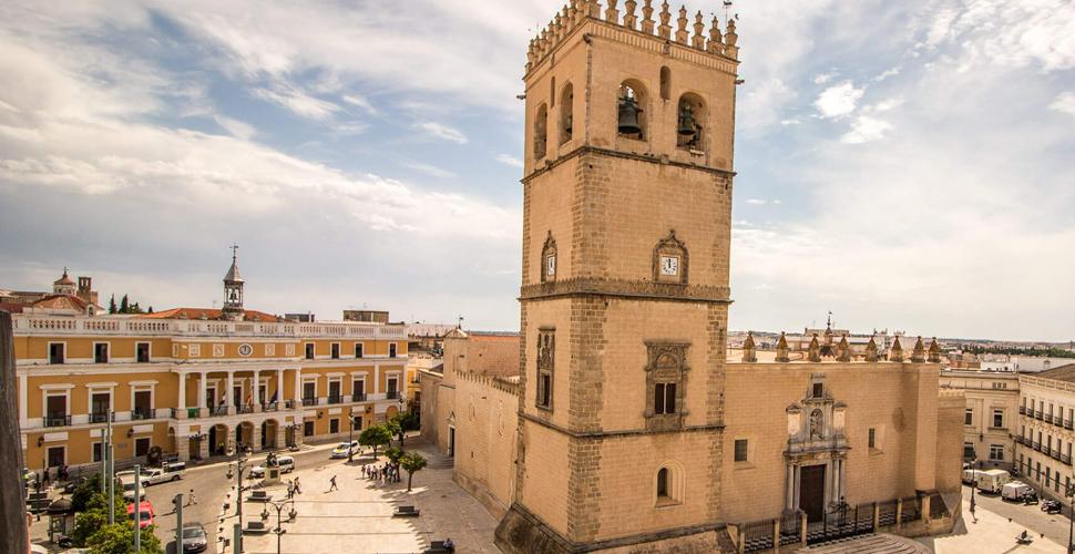 Vistas Guiadas a la Catedral de Badajoz con Antonio Carrasco, Guía Oficial de Turismo en español, inglés y portugués. AC Turismo