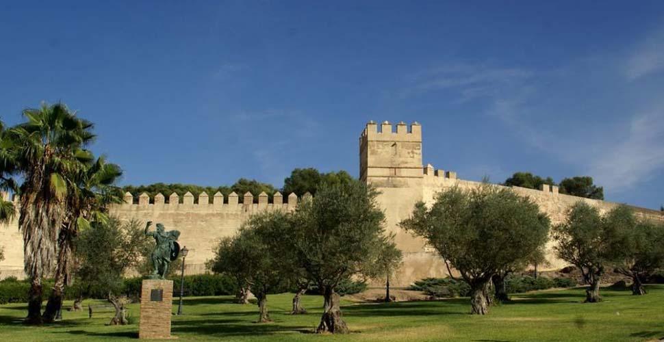 Visitas Guiadas al Parque de Alcazaba Árabe de Badajoz con Antonio Carrasco, Guía Oficial de Turismo