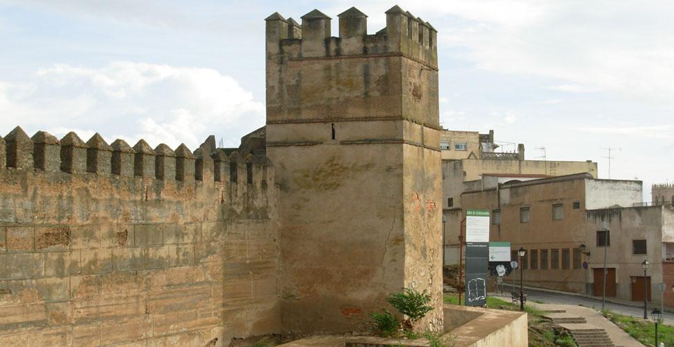 Visitas Guiadas a la Torre de los Ahorcados de Alcazaba Árabe de Badajoz con Antonio Carrasco, Guía Oficial de Turismo